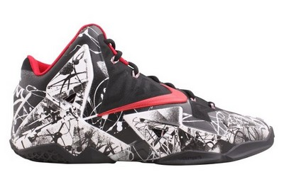 Name:NIKE LEBRON XI Color:White/University Red-Black Style:616175-100. Release Date:01/25/2014. Price:$200. Exclusive:GR [Detailed Photos]
