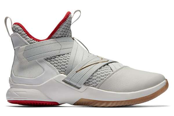 22a2c65ee454 Current Nike LeBron Releases
