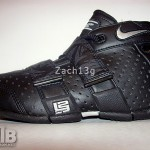 Nike Zoom 20.5.5 Black/Anthracite Laser Kids Sample