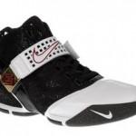 Nike Zoom LeBron V Black/White/Red SAMPLE Detailed Look