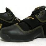 Nike Zoom Soldier Black/Gold Sample vs GR