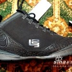 A live look at the All Black Zoom LeBron Soldier II