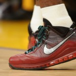 LeBron James' Air Max LeBron VII Christmas Edition With Green Laces