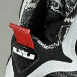 "First Look: Nike LeBron 9 ""Black & White"" aka <strike>Scarface</strike> Freegums"
