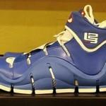 "Nike Zoom LeBron IV White/Varsity Royal ""Flexiposite"" Prototype"