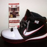 LeBron James' Zoom LeBron VI Game Worn Player Exclusive