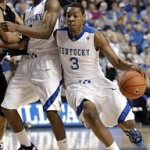 Wearing Brons – Kentucky Wildcats Debut Nike Max LeBron VII PEs