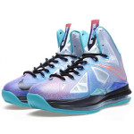 "Nike LeBron X ""Re-Entry"" Hits Nikestore Europe"