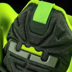 Closer Look at Nike LeBron XI GS Dunkman (621712-302)