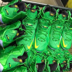First Look at Oregon Ducks' Nike LeBron 12 PE