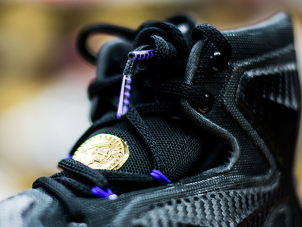 on sale 3f8ee 0adfa A Possible Preview of the BHM   Dunkman LeBron 13 in Black   Gold ...
