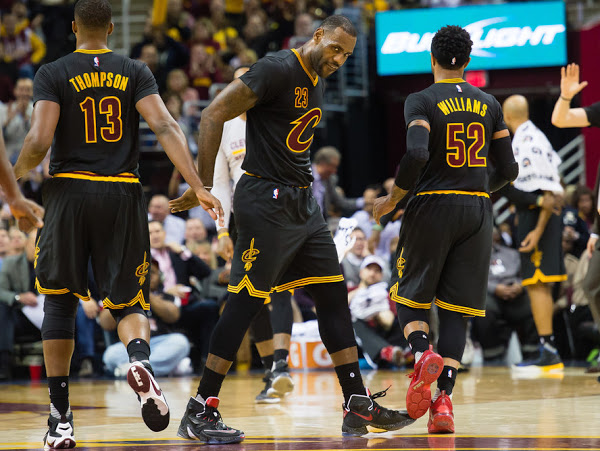 ... 09-12-2015 King James Finally Wears a Simple Black and Red LeBron 13's