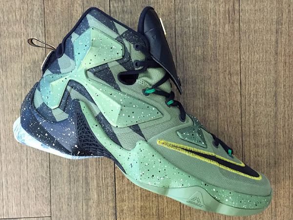 34f9fa9e6081 ... 08-02-2016 Closer Look at LeBron James  2016 NBA All-Star Game Shoes ...