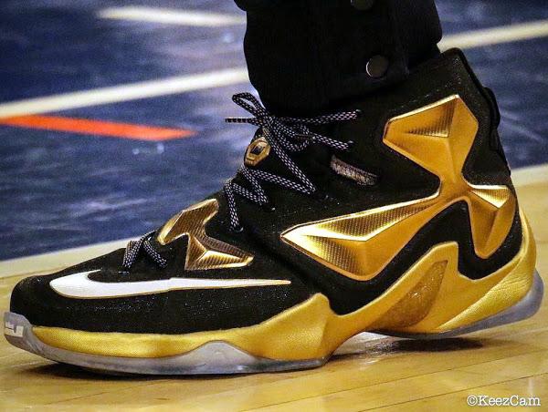 King James Wears Pure Gold LeBron 13 PE