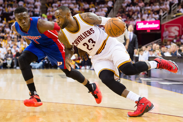 074918d15bd ... 18-04-2016 James Debuts University Red LeBron 13 Elite in Playoffs  Opener ...