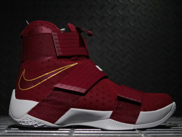 fb200fd9bd5 ... 07-11-2016 Detailed Look at Soldier 10 CTK   T. Thompson Edition Rocked  by LBJ