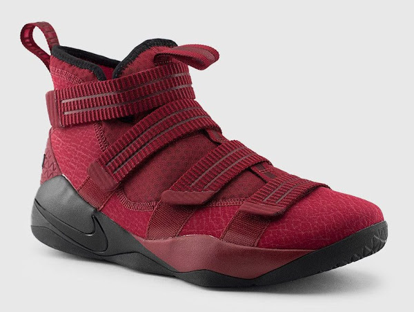 online store 27f95 7f672 LeBron James' Soldier 11