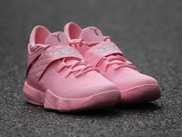 Nike Adds Think Pink / Kay Yow Look for