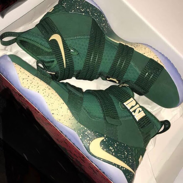 c6c694375e1 ... 19-01-2018 First Look at Nike LeBron Soldier 11 SVSM PEs  22-05-2017 Tristan  Thompson and J.R. Smith Debut LeBron Soldier 11 Cavs PE